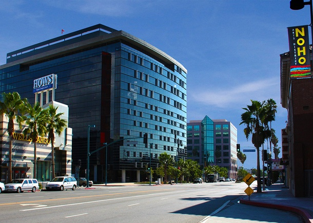 The streetscape and commercial district surrounding NOHO III are upscale and modern. Photo courtesy of J.H. Snyder Company (JHS)