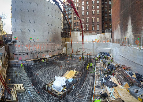 East 22nd Street foundation mat pour. Photo courtesy of DeSimone Consulting Engineers, New York, NY