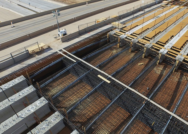 Reinforcing at CIP webs & pier 2 diaphragm. Photo courtesy of Haydon Building Corp., Phoenix, AZ