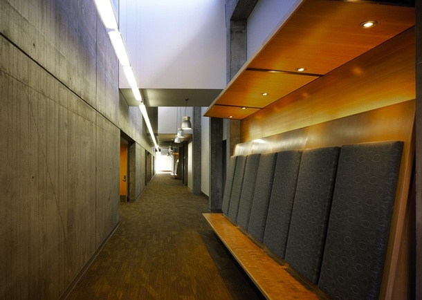 Interior corridor, photo: Chris Eden.