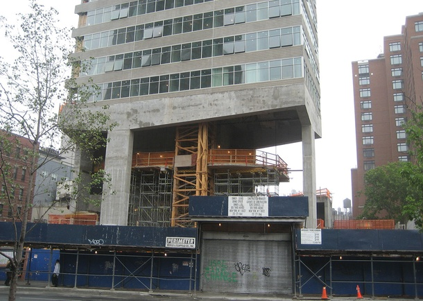 Construction view of West transfer beam elevation. Photo courtesy of DeSimone Consulting Engineers, New York, NY