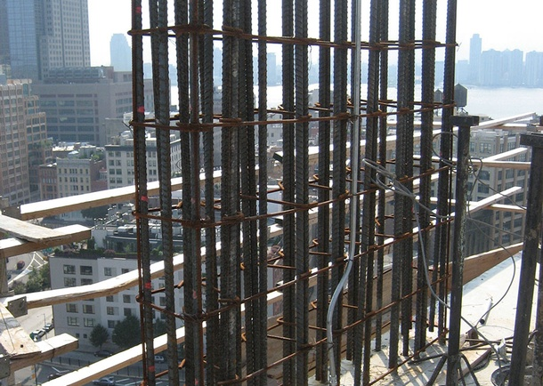Construction view of the 17th floor super column transfer.  Photo courtesy of DeSimone Consulting Engineers, New York, NY