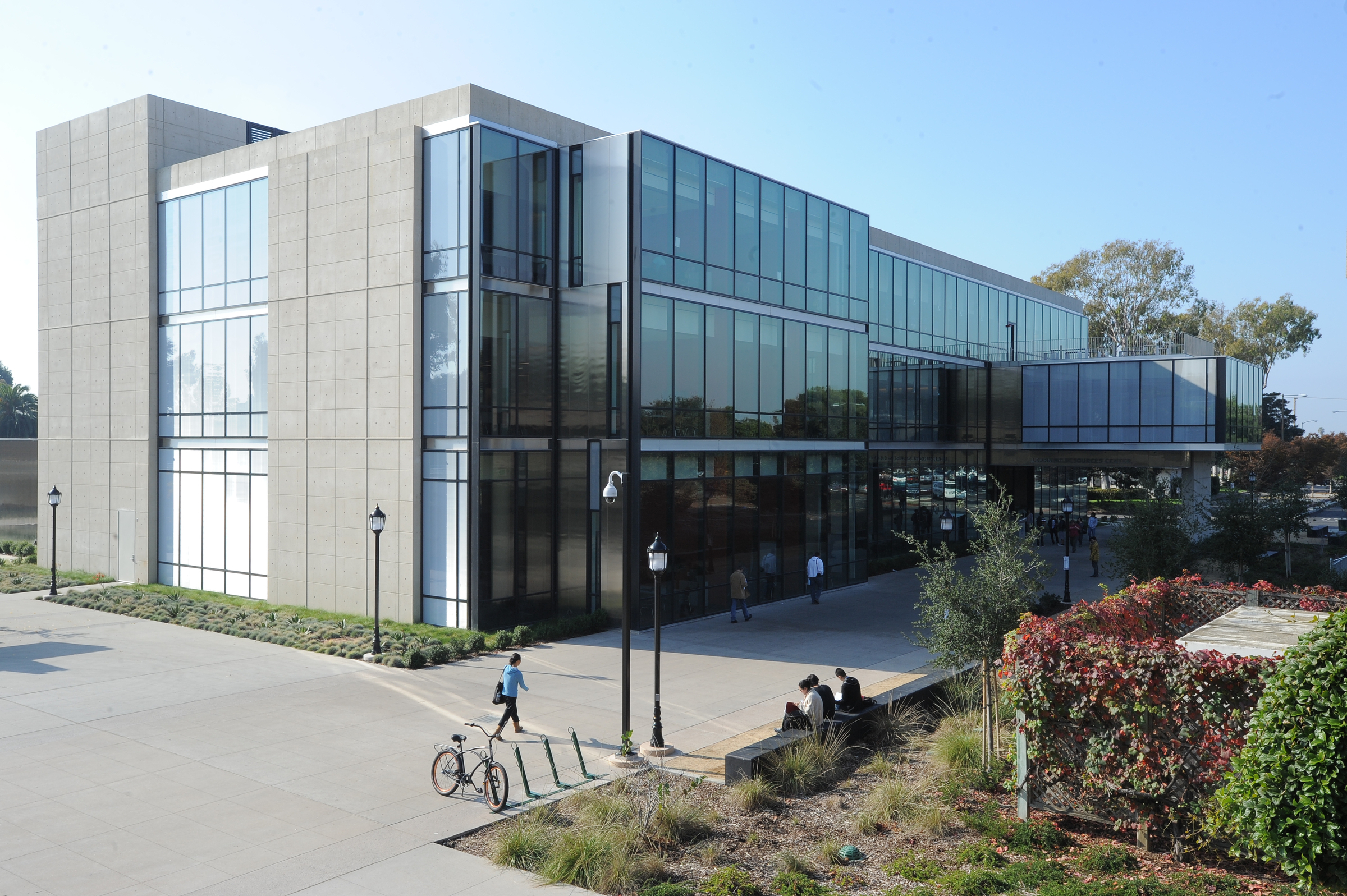 Golden West College Learning Resources Center